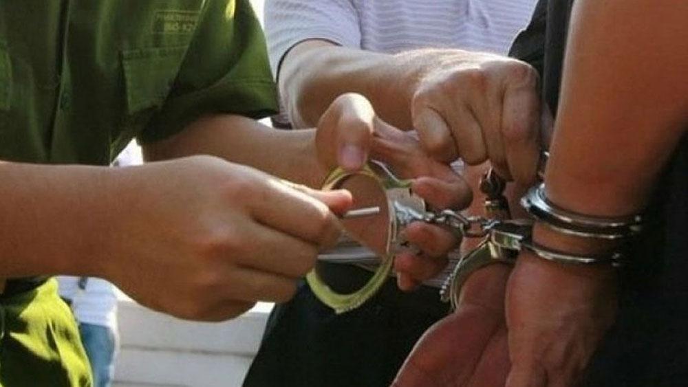Tạm giữ thiếu niên 16 tuổi hiếp dâm hai bé gái 8 tuổi ở Cà Mau